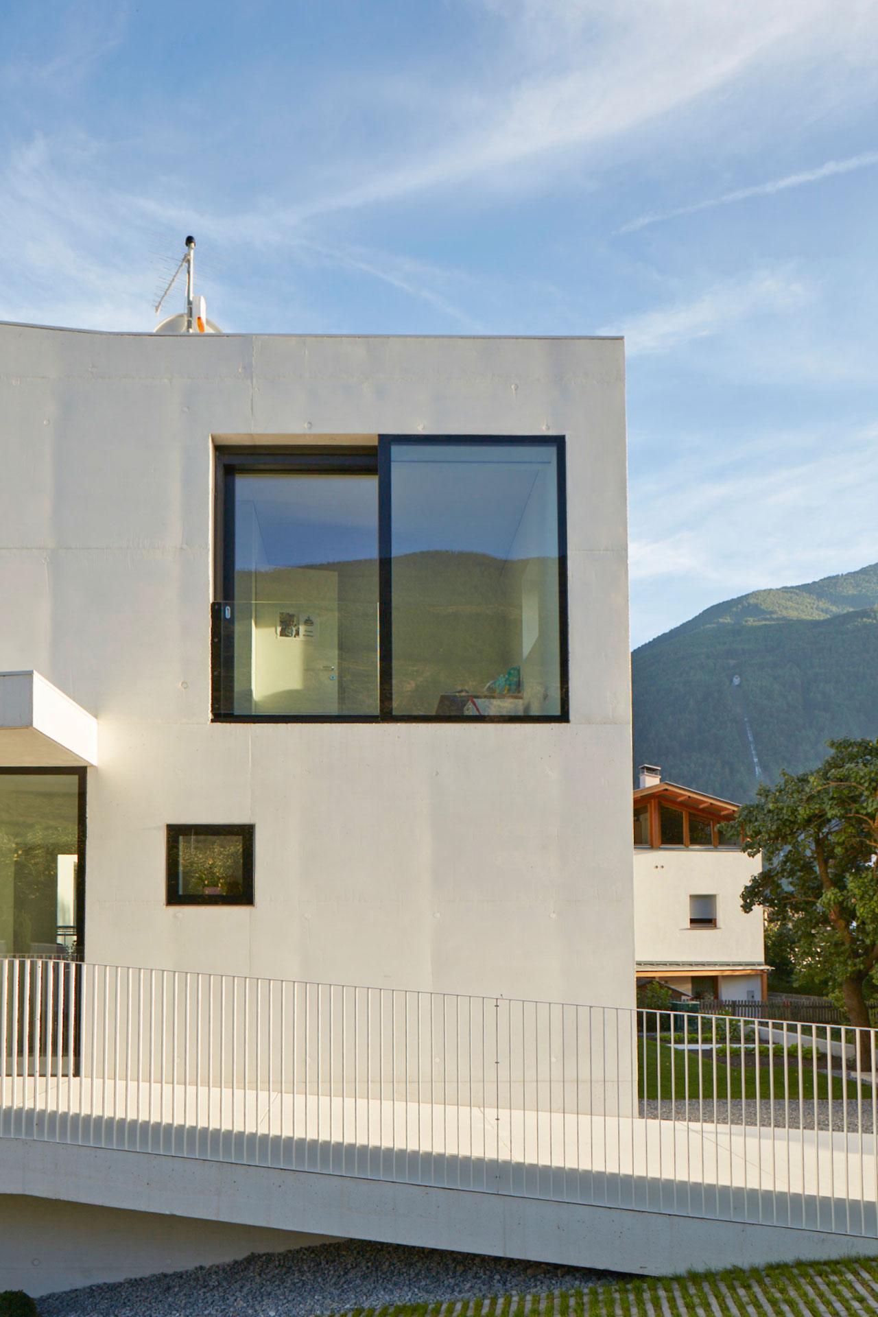 concrete-weisse-villa-03